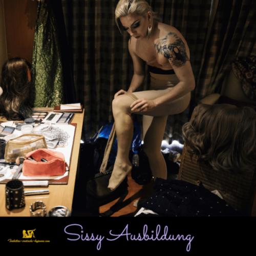 3 Stufen Feminisierungs Programm Bild mit Mann, der vor Spiegel steht